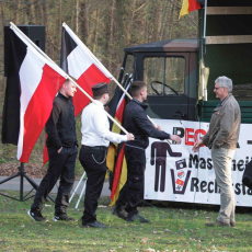 Gerald Hübner begrüßt NPD - PEGIDA Havelland Demo (2016) (Quelle: FlickR Presseservice Rathenow)
